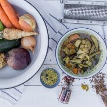 הכנת מרק עשיר במינימום קילוף וחיתוך